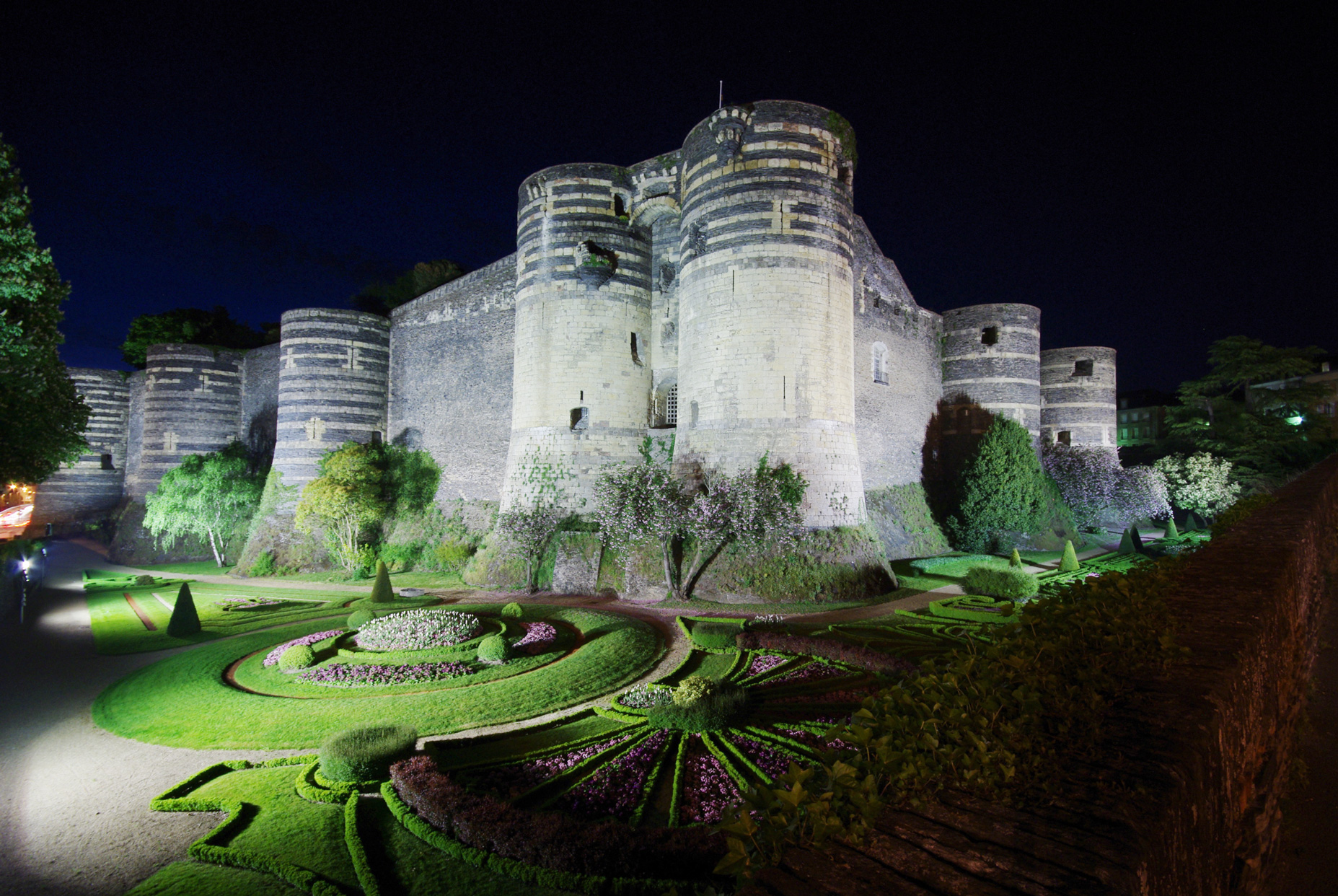 chateau-angers-nuit-b